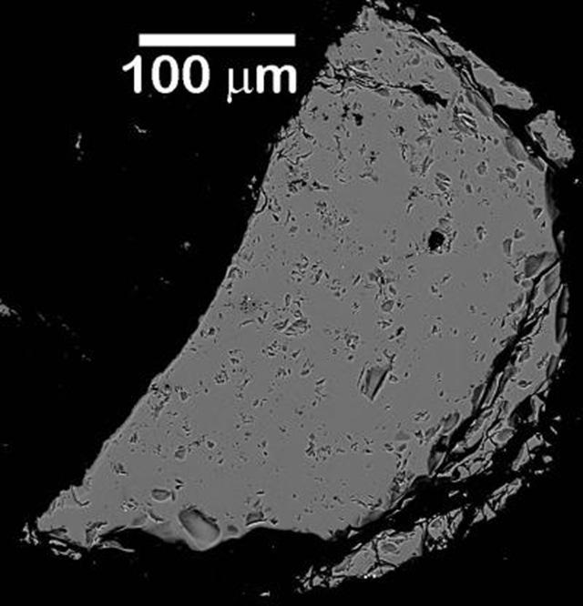 rocher-lunaire-artificiel-