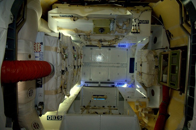 SpaceX-dragon-amarrer_thumb.jpg