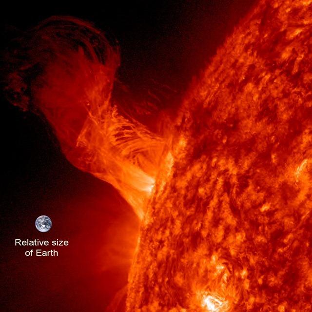Soleil-SDO-311212-Terre