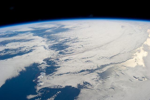 ISS-vocan-Pavlof-Pavlof3_thumb.jpg