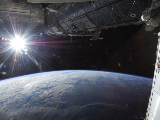 ISS-starburst_thumb.jpg