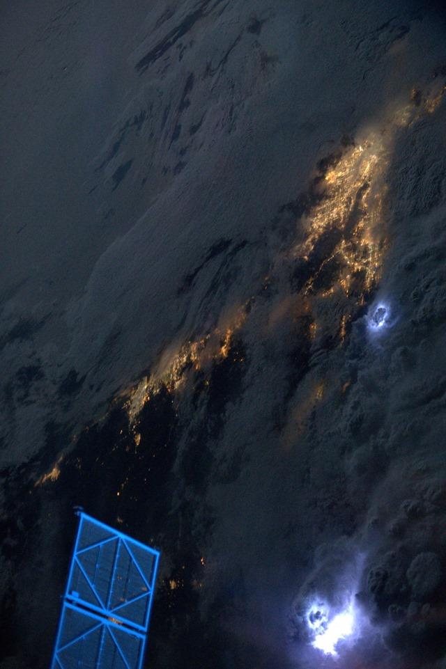 ISS-foudre-Karen-Nyberg2013_thumb.jpg