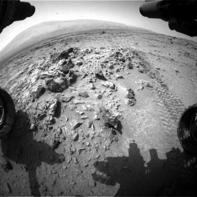 Traces-roues-Curiosity-Mont-Sharp_thumb.jpg