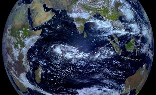 Terre-equinoxe-elektroL_thumb.jpg