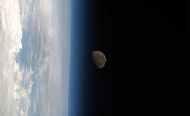 Koichi-Wakata-ISS-Lune.jpg