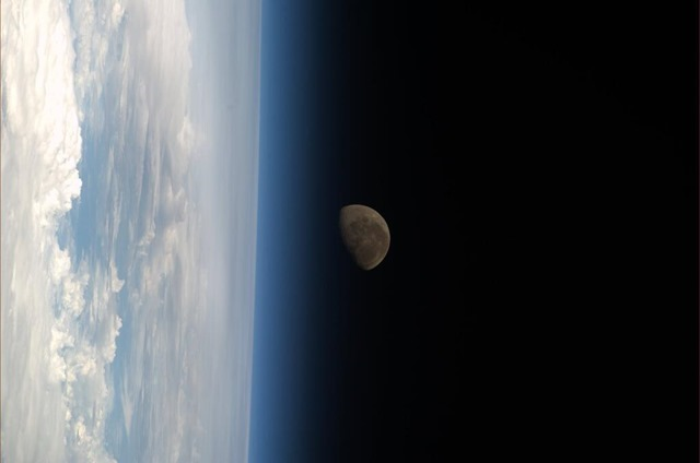 Koichi-Wakata-ISS-Lune_thumb.jpg