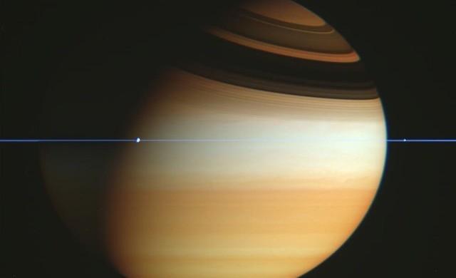 Tranche-anneaux-Saturne_thumb.jpg