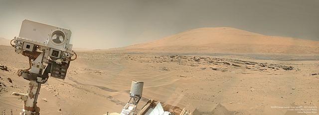 Curiosity-Selfie-2014_thumb.jpg