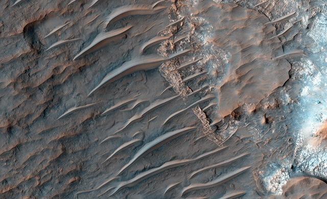 Mars-HiRISE-transverse-aeolian-ridges_thumb.jpg
