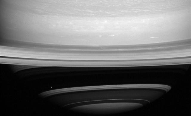cassini-mimas-Saturne_thumb.jpg