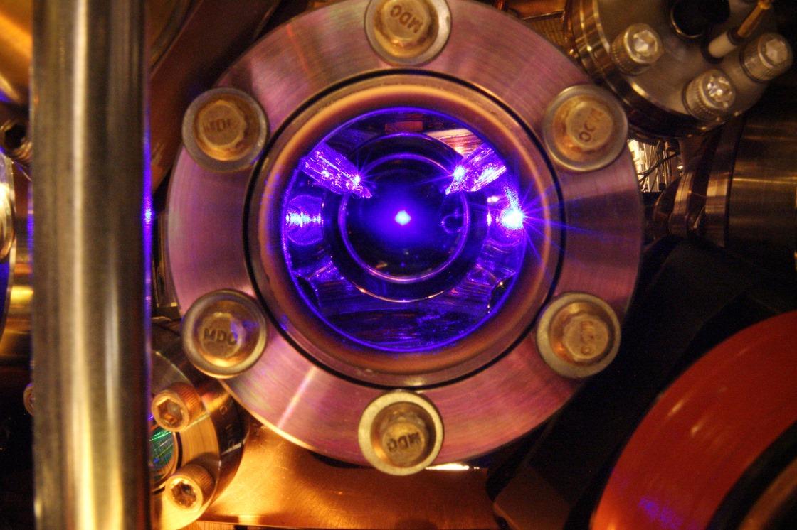 Horloge-atomique-R-Monde.jpg