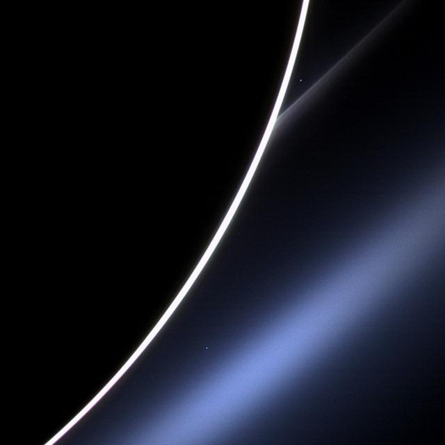 Venus brille dans les anneaux de Saturne