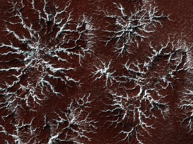 araneiform-HIRISE-Mars_thumb.jpg