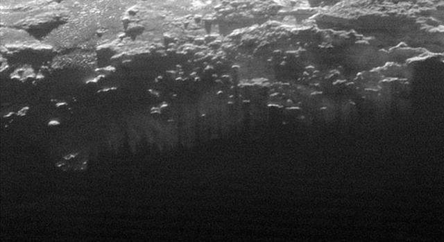 Pluton-mont-brume-zoom2-NW0915