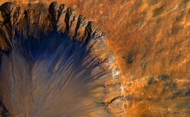 RSL-Sirenum-Fossae-Mars_thumb.jpg