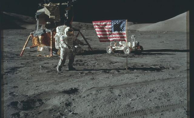 Apollo17-EVA1.jpg