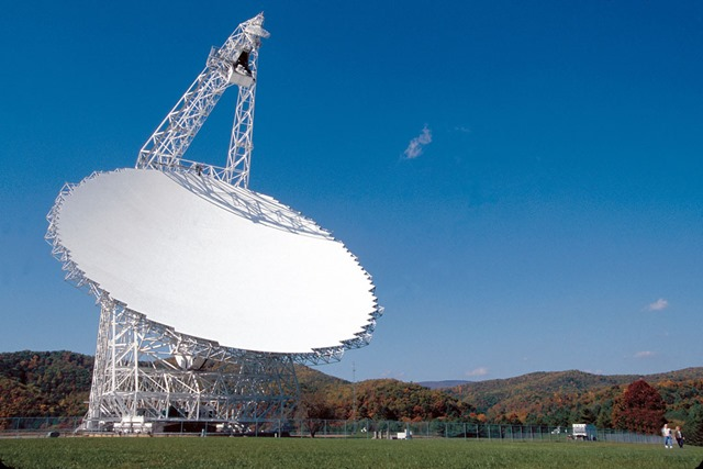 Radio-telescope-Green-Bank
