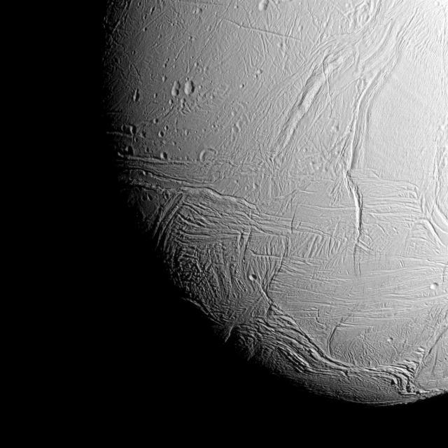 Sur les forces qui réchauffent l'océan interne de la lune de Saturne, Encelade depuis des millions… voir des milliards d'années