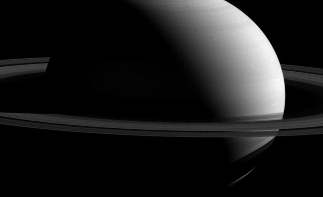 Saturne-Tthys-Cassini.jpg