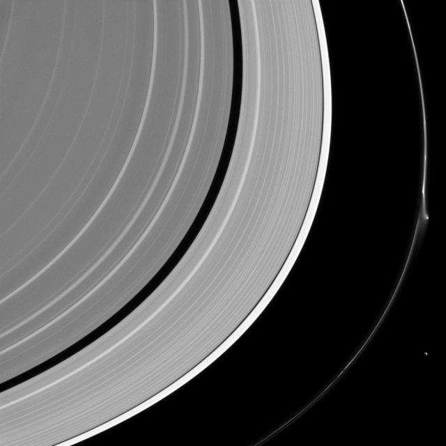 Déformation-anneauF-Cassini