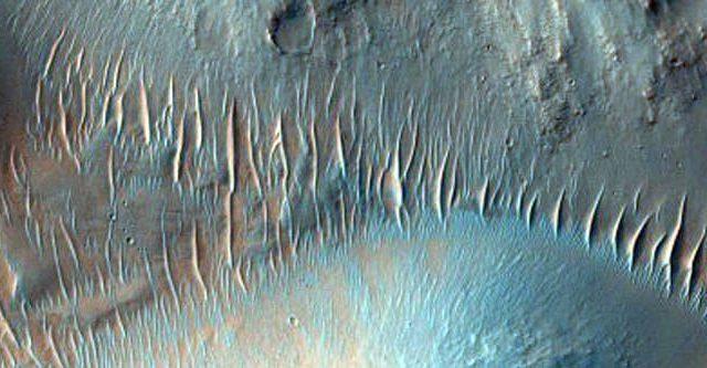 MRO-aout-16-Mars-Nirgal-Vallis.jpg
