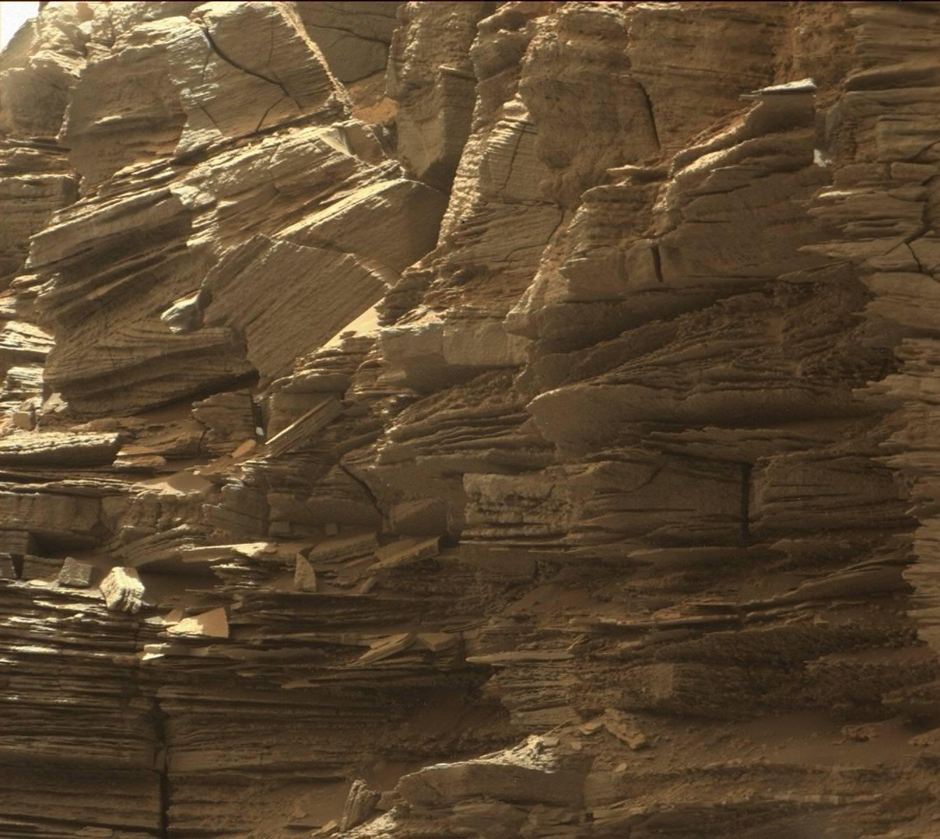 Le Curiosity vient de quitter un décor de Far West pour poursuivre son long périple martien (Photos)
