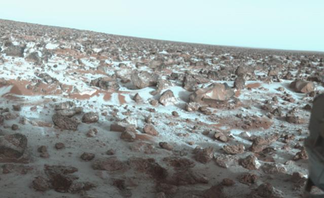 Découverte d'un gros dépôt de glace sur la planète rouge pour abreuver nos futurs colons martiens