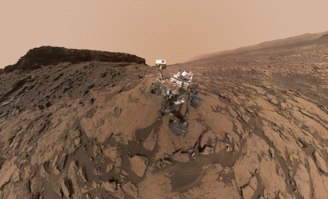 Curiosity-Murray-Buttes-selfie.jpg