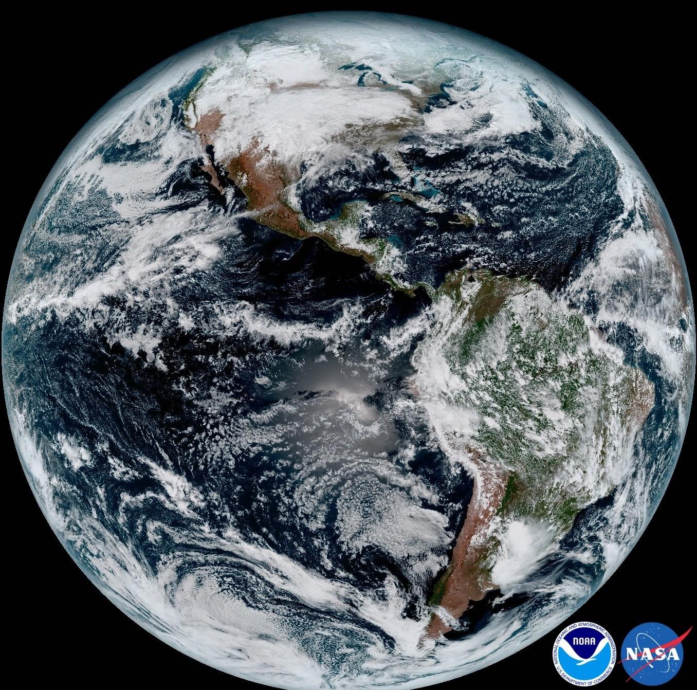 De somptueuses images de la Terre en provenance d'un nouveau satellite de prévisions météorologiques