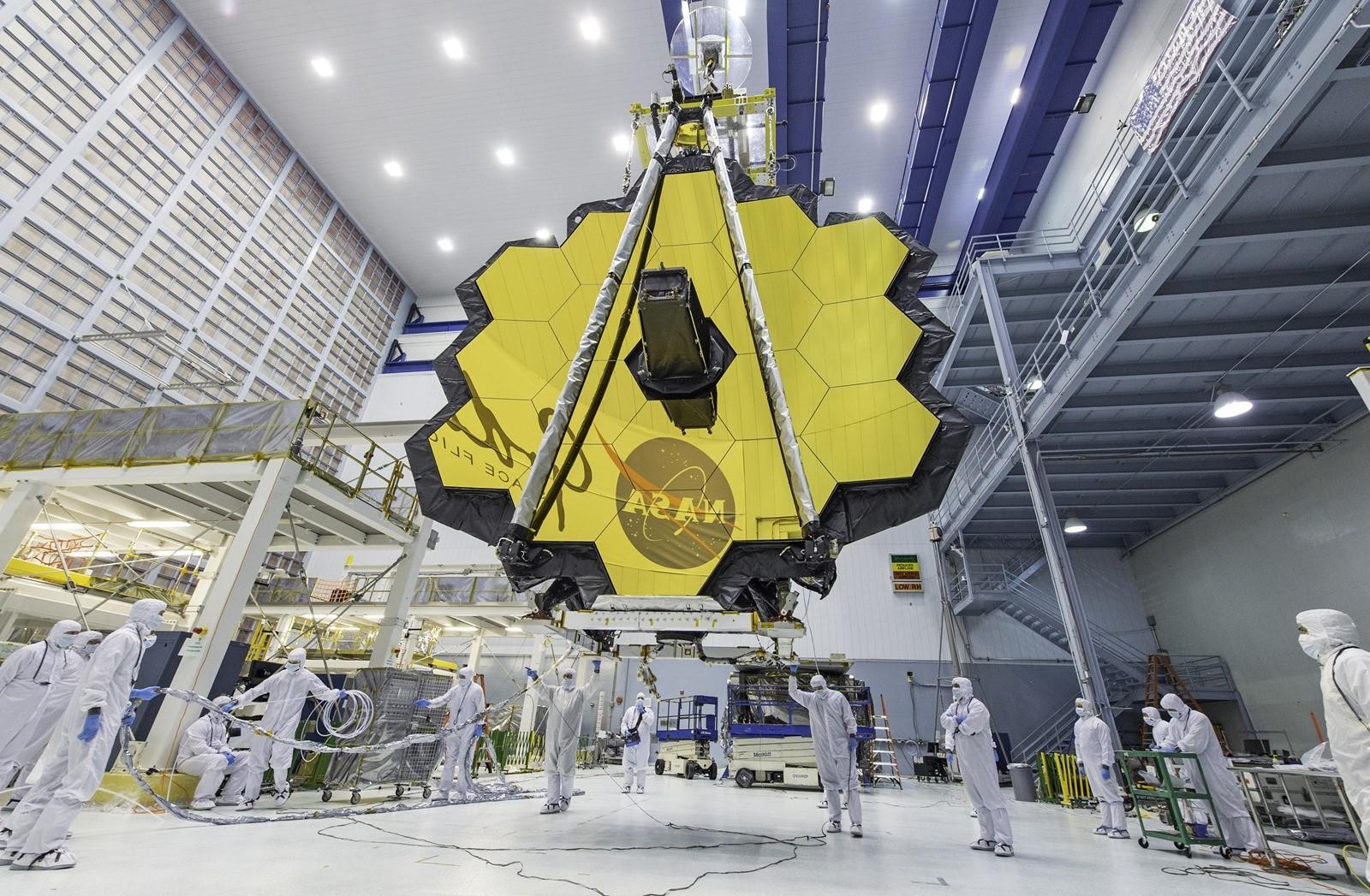 Image: le grand miroir du plus puissant télescope spatial déployé