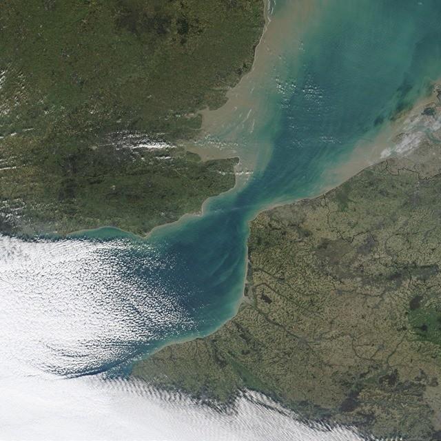 Strait_of_Dover_MODIS
