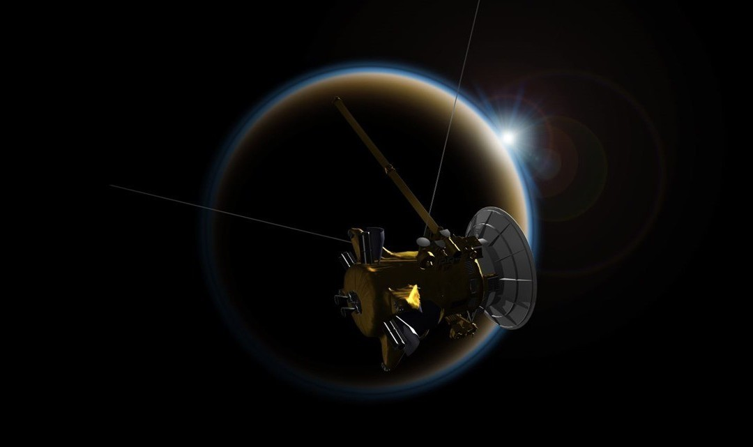 Cassini s'est une dernière fois servi de la lune Titan pour réaliser sa rentrée kamikaze dans l'atmosphère de Saturne (dernières images et planning)