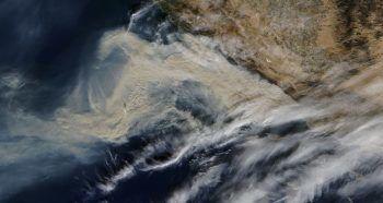 Quelques images depuis l'espace du gigantesque feu qui dévaste la côte californienne
