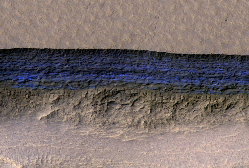 Confirmation que la planète Mars renferme de grandes réserves d'eau glacée
